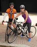 Photo - 2 bicyclists