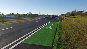Green Bike Lanes at Conflict Points on SR 7 near Westlake